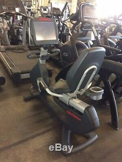 Life Fitness 95R Engage Recumbent Bike With Step Through Mount & 15 LCD